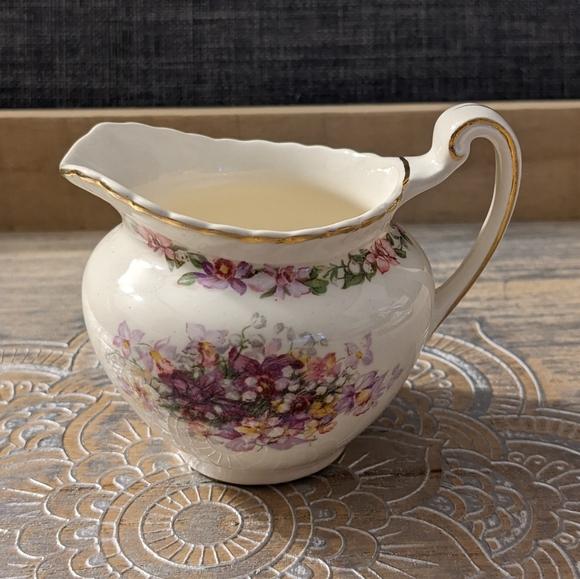 Vintage Creamer - Queen's Bouquet